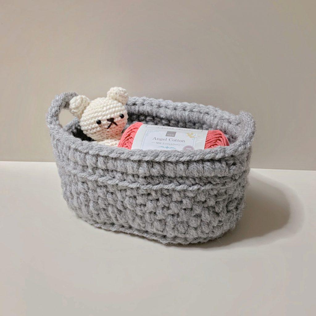 かぎ針編みで編む卓上バスケット