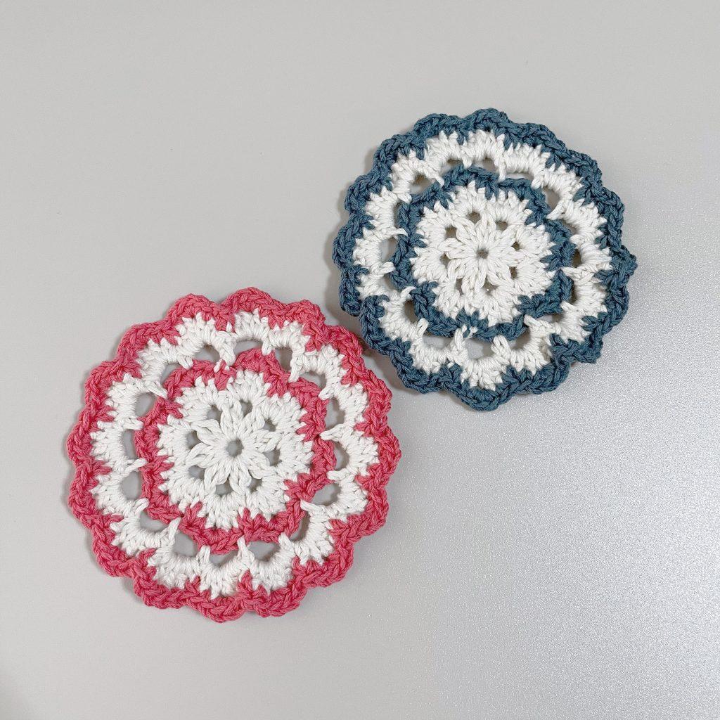 かぎ針編みのお花のコースター