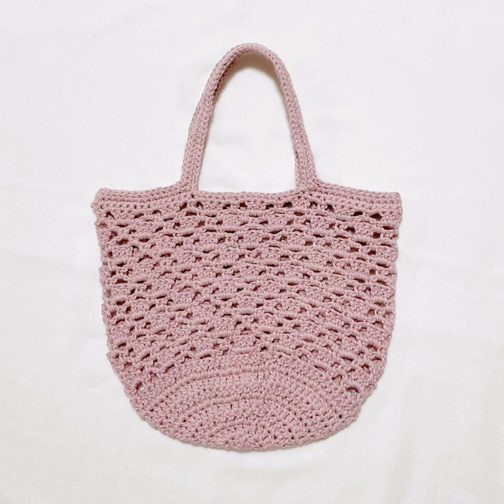 かぎ針編みのネット編みバッグ